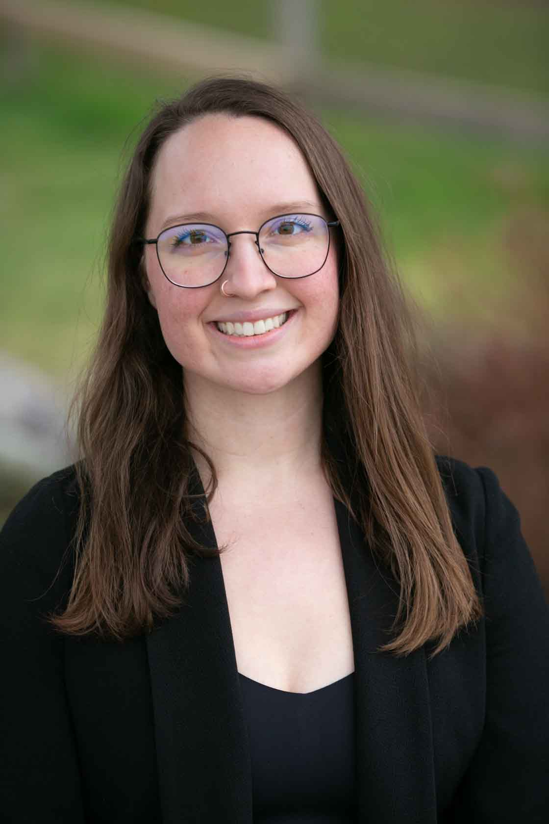 Headshot of Stephanie, part our dental team